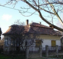 185 m2-es 4 szobás felújítandó családi Ház eladó - Kiskunlacházán